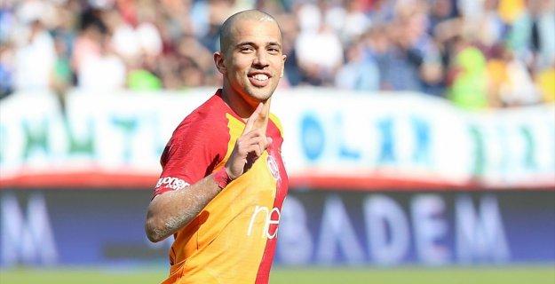 Feghouli Geçen Sezonunun En İyi Oyuncusu Seçildi
