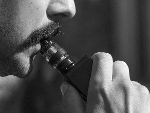 E-sigara Akciğere 'Tatlı Tatlı' Hasar Veriyor