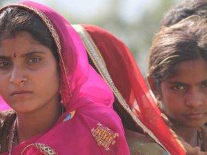 Hindistan'da  kast dışı evlilik yapan kadın öldürüldü