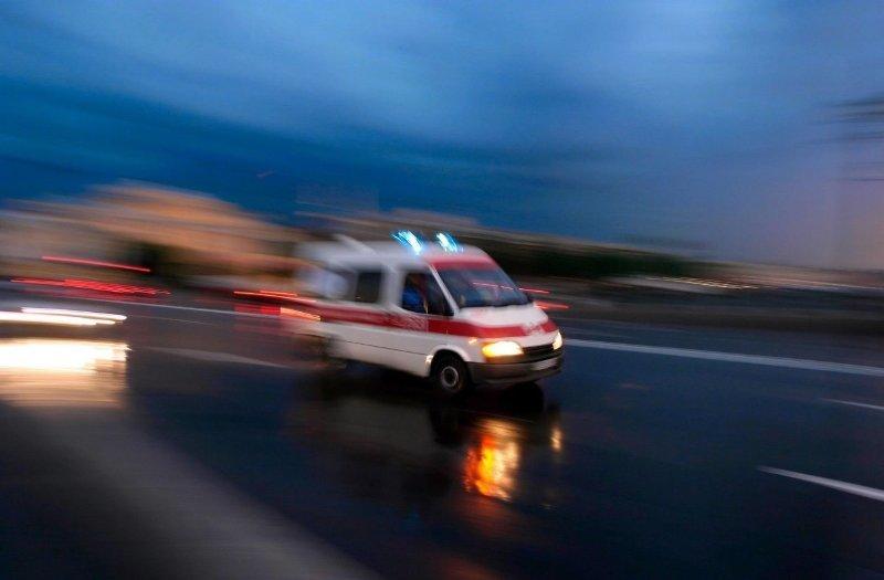 Hastaneye kaldırıldı! Polis memuruna karakolda bıçaklı saldırı