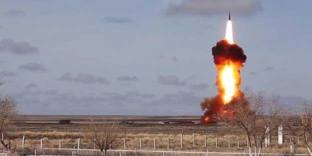 Tüm dünyaya duyurdular! Rusya balistik füzeleri ateşledi