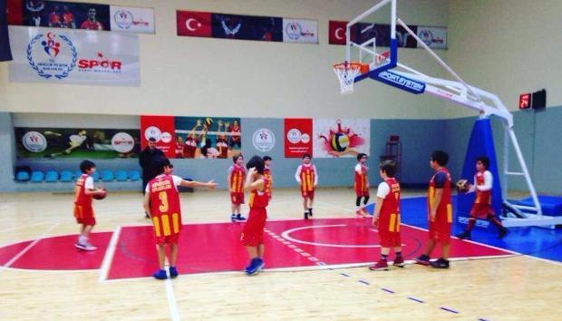 Basketbol Kursu Çocuklarınızın Gelişimine Fayda Sağlar