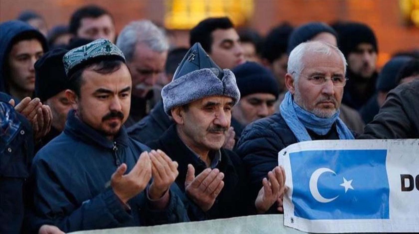 Hacı Bayram'da eller Doğu Türkistan için duaya kalktı