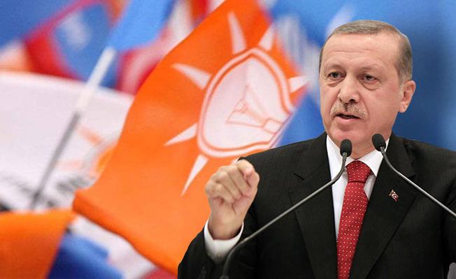 """AK Parti Gençlik'e taze kan! """"50 il başkanı değişiyor"""""""