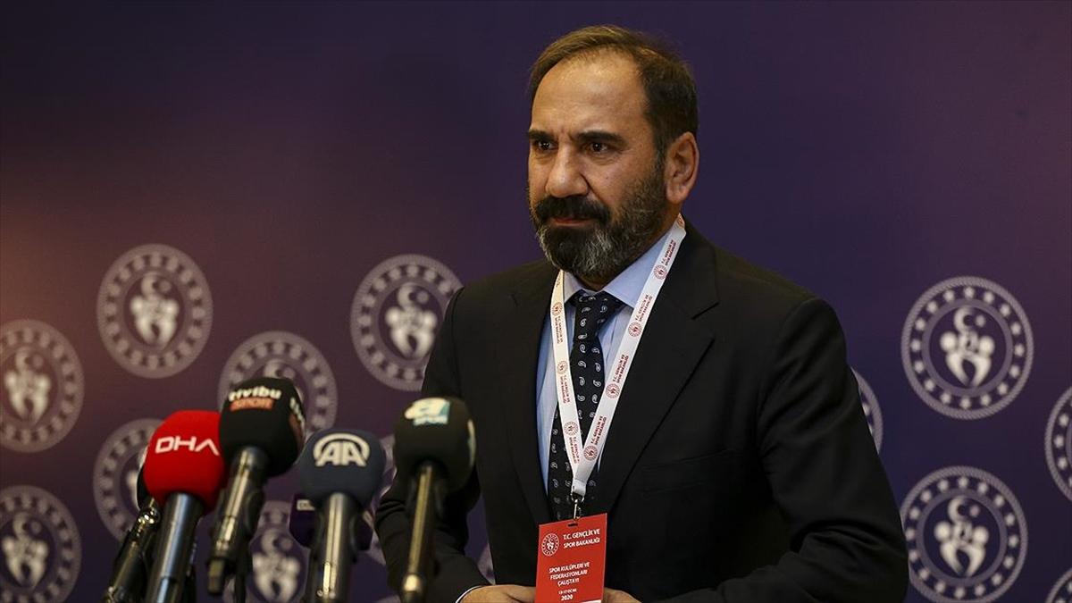 Sivasspor Başkanı: Türk futbolundaki sorunlar masaya yatırıldı