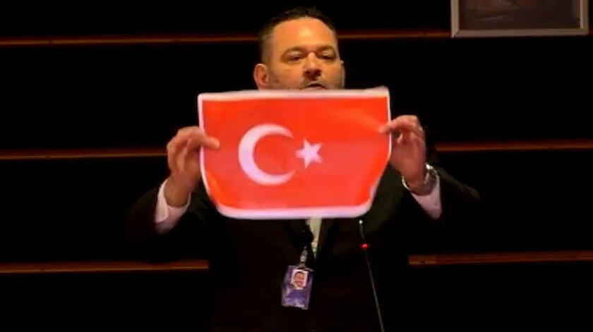 HADSİZ YUNAN VEKİLE, AP'DEN CEZA!