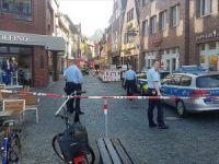 Almanya'da Kamyonet Yayaların Arasına Daldı: 4 Ölü