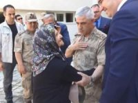 Org. Çetin'den şehit annesine: Başımızın tacısın