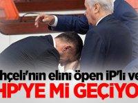 Bahçeli'nin elini öpen İP'li vekil MHP'ye mi geçiyor?