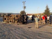 Malatyaspor taraftarını taşıyan minibüs devrildi