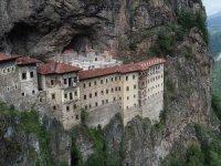 Sümela Manastırı'nda 900 Bin Tonluk Kaya Temizliği