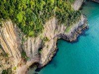 80 Milyon Yıllık Lav Sütunları Ziyaretçileri Büyülüyor