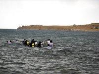 Antik Yoldan Yüzerek Çarpanak Adası'na Ulaştılar