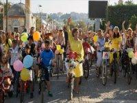 'Süslü Kadınlar Bisiklet Turu' Renkli Görüntüler Oluşturdu