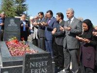Neşet Ertaş Vefatının 6.Yılında Mezarı Başında Anıldı