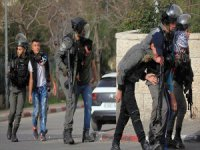 İsrail 2018'de 6 Bin 489 Filistinliyi Gözaltına Aldı