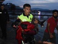 Türk Polisi Göçmen Kız İçin Gözyaşı Döktü