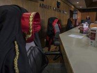 FETÖ'cü Baba Avukat Kızını Kurye Yapmış