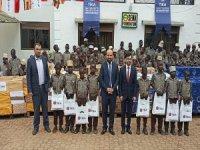 TİKA'dan Ugandalı Yetim Öğrencilere Yardım