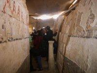 Hamile Bir Kadına Ait 3 Bin 700 Yıllık Mezar Bulundu