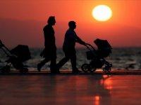 Mutluluğun Formülü; Evli, Çocuklu ve İş Sahibi Olmak