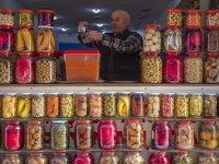 45 Yıllık Turşucunun Renkli Dükkanı