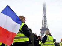 Fransa'da 'Sarı Yelekli Kadınlar'dan Gösteri