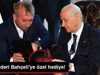 MHP Lideri Bahçeli'ye Özel Hediye