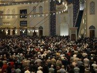 Ramazanın İlk Teravih Namazı Kılındı