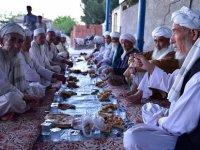 Özbek Türkleri Asırlık İftar Geleneğini Yaşatıyor