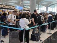İstanbul Havalimanı'nda Bayram Yoğunluğu Devam Ediyor