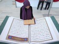 70 Kilogram Ağırlığındaki 'Kur'an-ı Kerim' Yoğun İlgi Gördü
