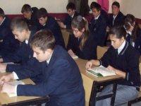 MEB'ten lise son öğrencilerine devamsızlık affı
