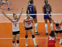 Kadın Voleybolu 'Yine' Finallerde