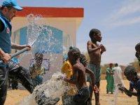 Öğrencilerden Afrika'ya 'Can Suyu'