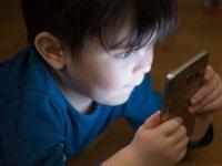Cep Telefonları Çocuklar İçin Daha Riskli