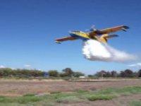 Türk Hava Kurumu uçakları gösteri yaptı