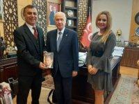 Devlet Bahçeli'nin liderliğini anlatan İngilizce kitap yayımlandı