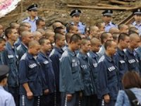 ÇİN;  Uygur Türklerini zindanlara  doldurdu...