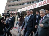 Bakan Akar Kılıçdaroğlu'nu Ziyaret Etti