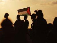 İsrail askerleri Gazze sınırında 69 Filistinliyi yaraladı