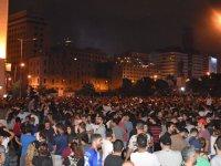 Lübnan'da halk yönetime karşı isyan bayrağını açtı