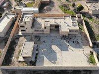 Barış Pınarı Harekatı bölgesinde PKK/YPG'nin tahrip ettiği okullar onarılıyor