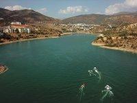 Tunceli'deki Uzunçayır Baraj Gölü su sporları merkezine dönüştü