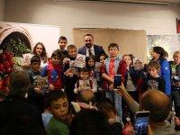Manisa Ülkü Ocaklarından Çocuklara En Güzel Hediye