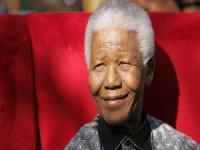 Hayatını ırk ayrımcılığıyla mücadeleye adayan lider: Nelson Mandela