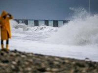 Antalya'da meteorolojik uyarı sonrası tedbirler üst seviyede