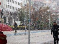 Ankara Kar Yağışı Başladı! Ankara'da Okullar Tatil Mi?
