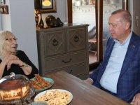 Cumhurbaşkanı Erdoğan, Alev Alatlı'yı ziyaret etti
