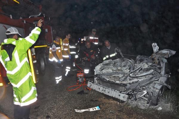 Gölbaşı'nda Korkunç Kaza, TIR İle Otomobil Çarpıştı